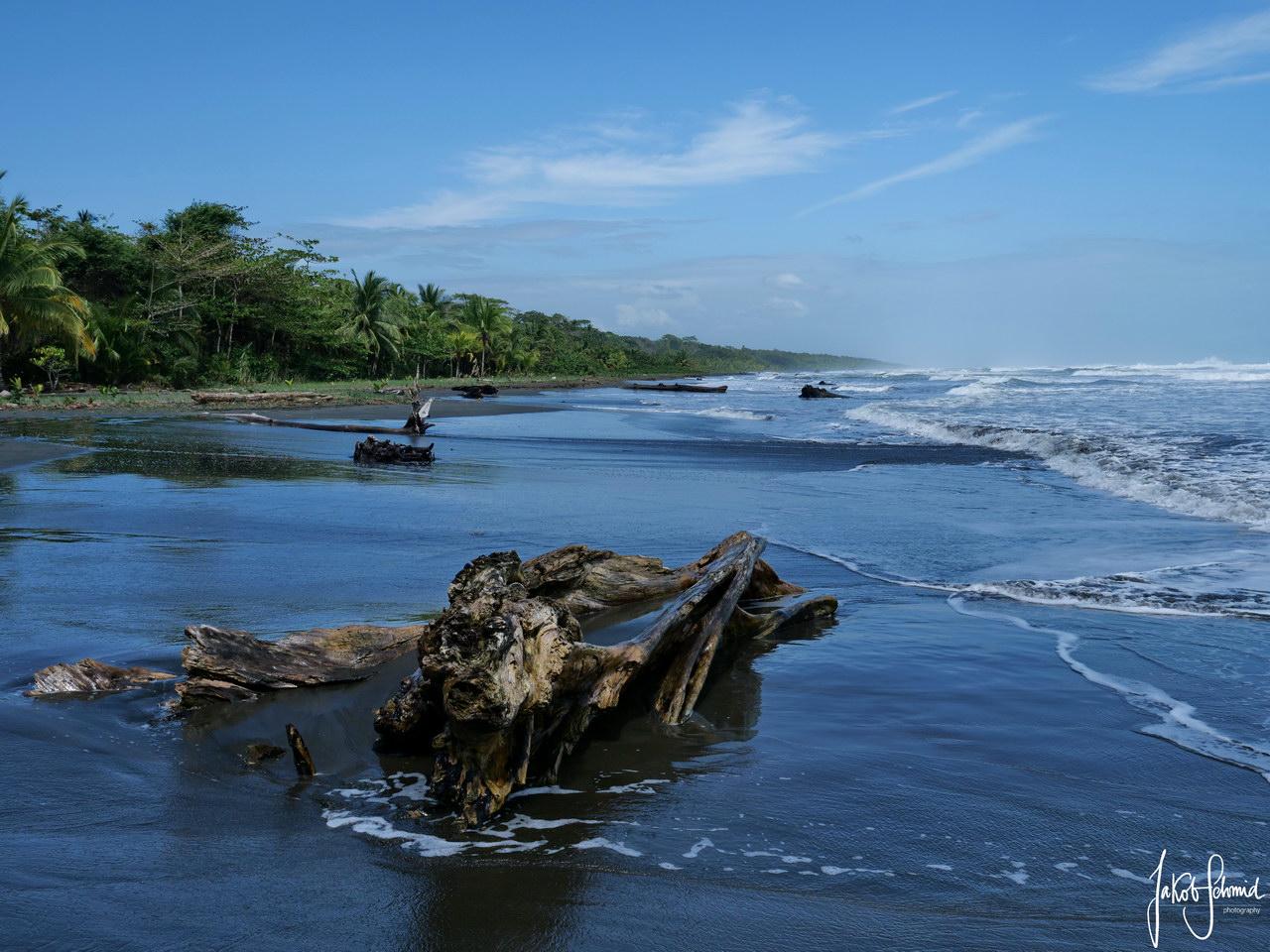 Costa Rica Cahuita Playa Negra